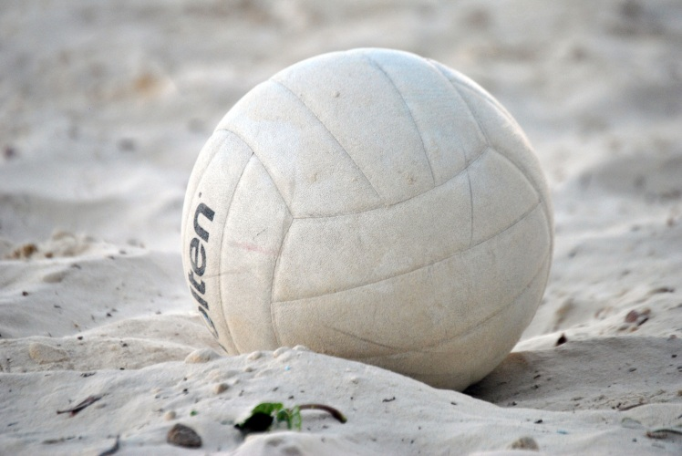 volleyball-in-the-sand